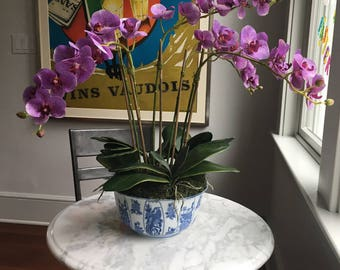 Faux Silk Violet Phalaenopsis Orchid Arrangement in Blue/White Chinoiserie Bowl (Artificial)