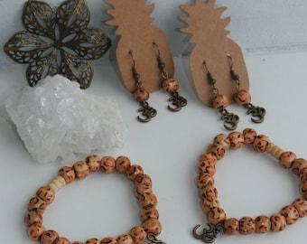 Wooden Mala Bracelet set - Yogi jewellery set - Yogi bracelet - OM bracelet - Mala bead Earrings - OM earrings - Mantra jewellery - gift set