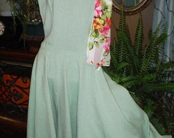 Vintage 1950's Sage Green Women's Sleeveless, Full Skirted Home made Dress