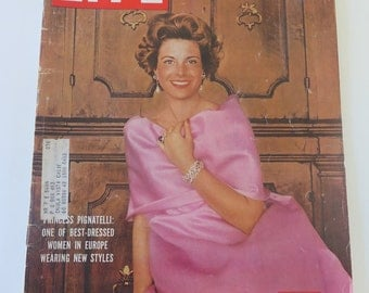 Vintage LIFE Magazine, March 2, 1959, Princess Pignatelli, State Department, Kuwait, Fashion, Evan McLeod Wylie Story