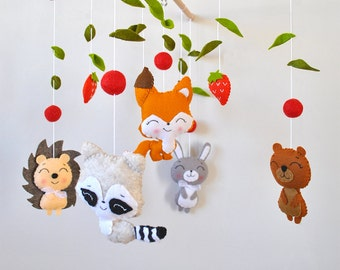 Baby mobile Woodland Nursery mobile Forest animals Crib Cot mobile Hanging mobile Fox Rabbit Woodland baby shower gift Nursery felt mobile
