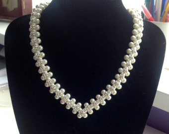 Elegant Cream Embellished Pearl Necklace for Special Occasions