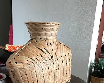 "Wicker ""vase"""
