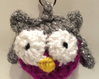 Hand knitted Owl Keyring