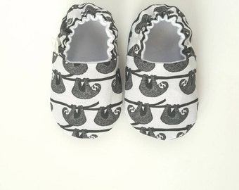 Sloths Baby Moccs / Baby Shoes / Baby Moccasins / Childrens Indoor Shoes / Soft Soled Shoes / Vegan Moccs / Vegan Moccasins / Waldorf Shoes