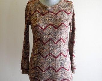 Chevron stripe 70s / 80s knit top by Cuddle Knit sz. Small