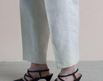 Vintage 90s Navy Kitten Heels / Pointed Toe Pumps / Strappy Heels