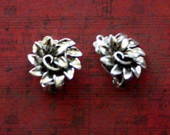 Floral Design Silvertone Clip On Earrings/ Vintage Clip On Earrings/Sparkly