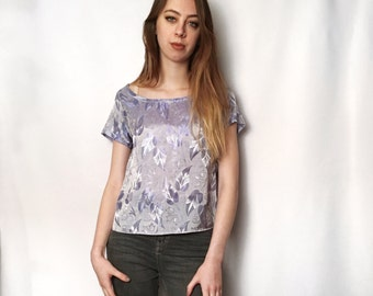 Bluebell Tee UK Size 10-12 - shiny floral leaves short sleeve light pale blue vintage cotton polyester handmade by The Emperor's Old Clothes