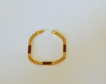 Vintage Avon 70s bracelet gold chain link 1978 Trazarra maroon red enamel