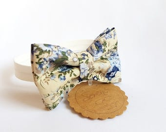 Beige Child bow tie with blue and light blue flowers, floral bow tie, baby bow tie, gift ideas, cotton bow tie, wedding accessories