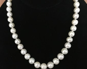 Pearl Necklace - White Freshwater Pearl Necklace -Bridal Jewelry -Wedding Pearl Jewelry -Freshwater Pearl Hand Knotted Necklace.