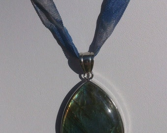 Labradorite necklace minerals blue cast mounted on tape or chain of frenchjewelryvintage, stone protection