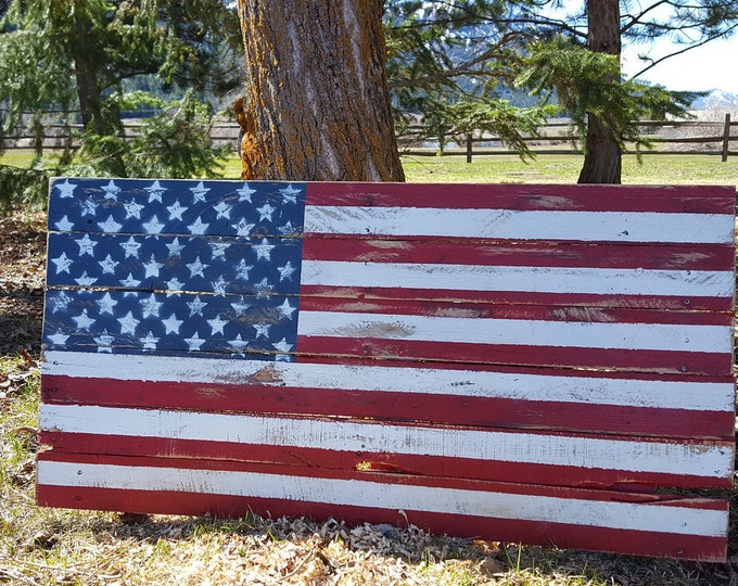 Rustic Wood American Flag, Wood Flag,  Pallet Flag, Rustic Flag Sign, Rustic Wall Decor, Farmhouse decor, Rustic Flag, Garden, Porch Flag