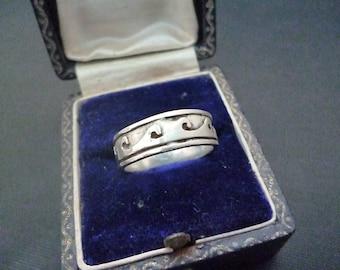 Silver wave ring - 925 - sterling silver - UK K - US 5.75