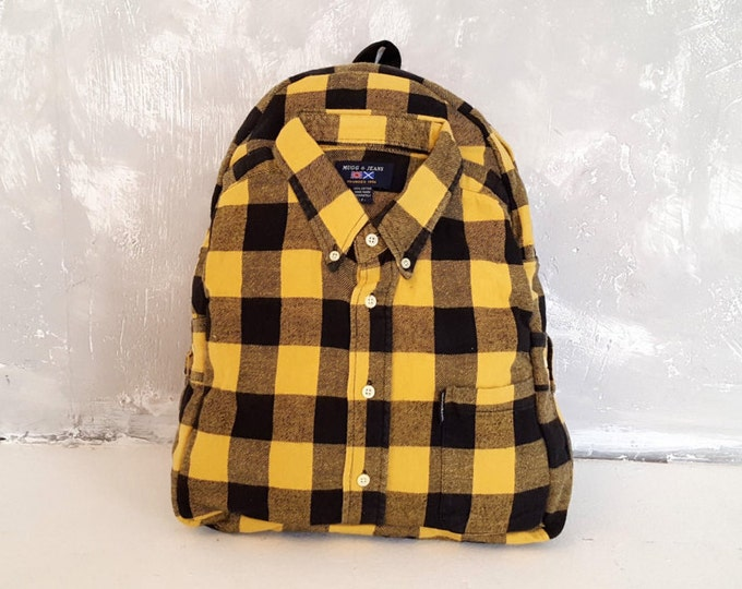 Recycled backpack, upcycled backpack, ecofriendly, urban backpack, minimalist backpack, medium size, festival backpack, 90s backpack