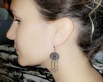 Earrings and simple print, dream catcher