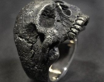 Skull Ring Small-Medium Skull Ring, Silver Skull Ring,Mens or Womens Silver Skull Ring