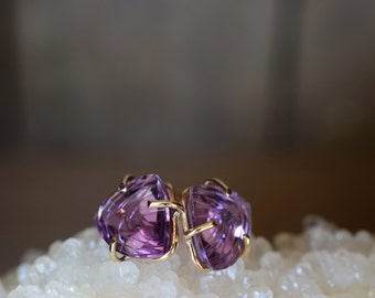 Amethyst Studs. Solid 14k Gold Amethyst Earrings. OOAK Crystals. February Birthstone. Amethyst Gold Studs. Amethyst Crystals. Fantasy Cut