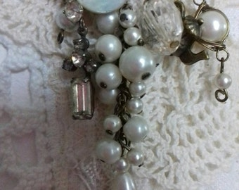 Vintage bits and bobs brooch. Pearls, button