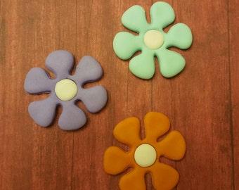 "Edible 2"" Fondant Flowers"