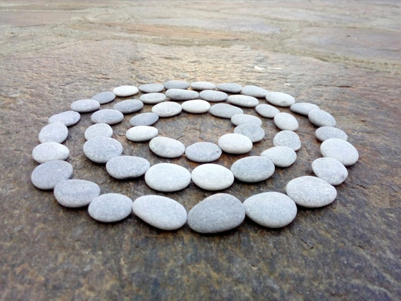 60 small flat pebbles craft pebbles beach pebbles beach for Flat stones for crafts