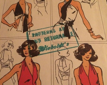 Great Jiffy Pattern for a Wrap-And-Tie Halter---Simplicity 5555---One Size