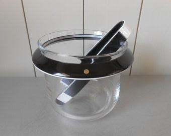 Stylish vintage GUZZINI Ice Bucket and Black tongs. Clear Lucite Acrylic Plastic. Italian Design Made in Italy. Modern Minimal 1980s Barware