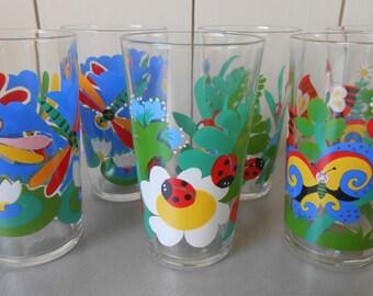 Set van zes jaren 1970 70s Vintage drinken glazen kleurrijke glaswerk instellen. Vlinders lieveheersbeestje Dragonfly bloemen Print Decor Multicolor Retro Mod
