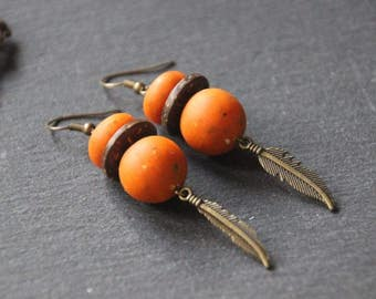 Orange polymer textured spice earrings, coco Brown, feather charm bronze