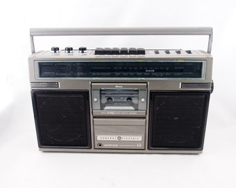 Vintage General Electric GE Boombox, Ghetto Blaster, Jambox AM/FM Radio Cassette Tape Recorder