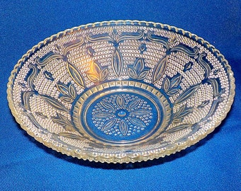 """Vintage """" Crystal Heritage """" Federal Glass Fruit Bowl  Mid Century Glass 8 1/2"""" Round Glass Bowl"""