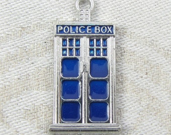 SIlver TARDIS (larger) Charms, 1, 3 or 8 charms per package  SFF063