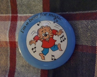 Vintage Berenstain Bears Brother Sister Papa Mama Bear buttons or pins
