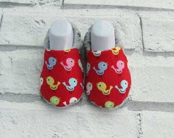 Easter Chick Patterned baby booties, sizes available up to 24months, Unique, Fun & Cute!