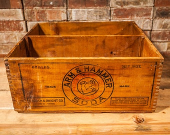 Vintage 1930s Arm & Hammer Soda Dovetailed Wood Crate Box Storage Black Red Church and Dwight Co New York