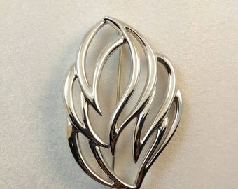 Vintage Monet Brushed Silver Plumage Brooch Pin