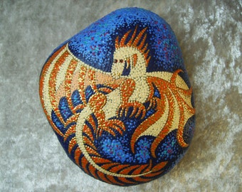 Dot painting stone SMALL SPELL DRAGON lovingly hand-painted River pebbles weatherproof and UV resistant, diameter 14 cm (length)