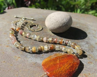 Agate Pendant Necklace with Rutilated Quartz Beads