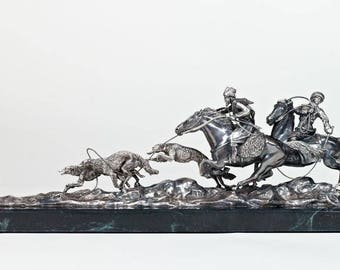"Silver Sculpture ""Hunting with hounds"""
