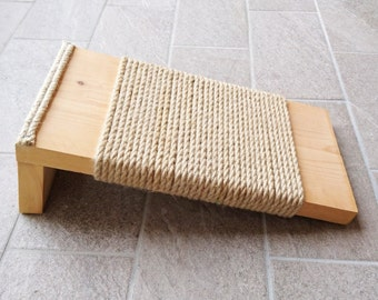 Cat Scratcher, Cat Scratching post made of recycled wood and Sisal rope