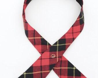 1960's vintage unlabeled crossover continental tie in tartan wool