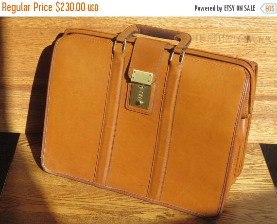 Football Days Sale Vintage Coach British Tan Leather Triple Gusset Briefbag Trial Case Laptop Ipad Case Bag # 5420 Made in U.S.A. 1994