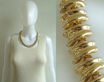 70s chain link collar necklace, gold metal chunky statement necklace, 1970s minimalist vintage necklace, costume jewelry, jewellery