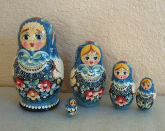 Russian Matryoshka 5 Hand Pianted Wood Nesting Dolls Artist Signed Gerasimova