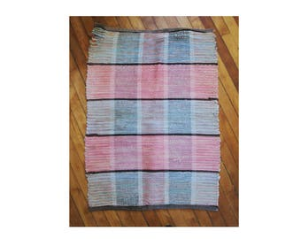 "Vintage Braided Rag Rug Small 24"" by 32"", Lovely Pink and Blue Color, Classic Americana Colonial Look, Reversable, See Description Below"