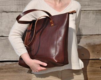 Large leather shoulder bag, leather work bag, leather diaper bag, large leather tote Bag, leather shopper, Italian leather zipper tote