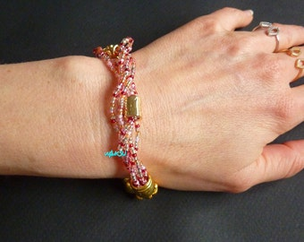 Bracelet with woven seed beads