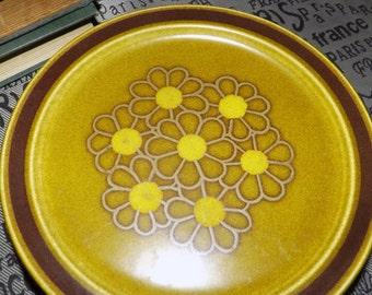 Vintage (c.1970s) hard-to-find Crest-Stone | Crest Stone Progreso S-698 pattern salad | dessert plate. Embossed floral center.
