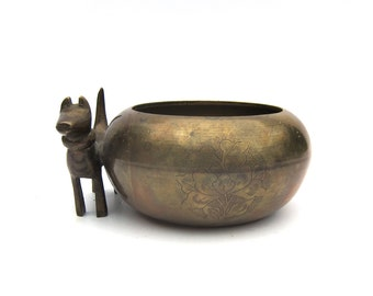 Etched Chinese Bowl with Dog